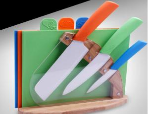 What's the features of 7 Pcs Color Full Ceramic Knife Set with Block?